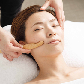 POWER TREE FACIAL (Head Massage Included)