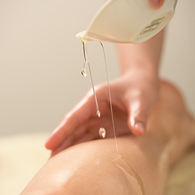 LYMPH OIL MASSAGE (Foot Bath and Hand Massage Included)